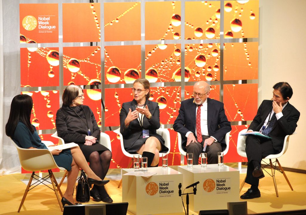 Ursula Staudinger discusses with Soki Choi, Laura L Carstensen, Martin Kohli and Naohiro Ogawa at the Nobel Week Dialogue 2014, Copyright: Nobel Media, photograph by Jonas Borg