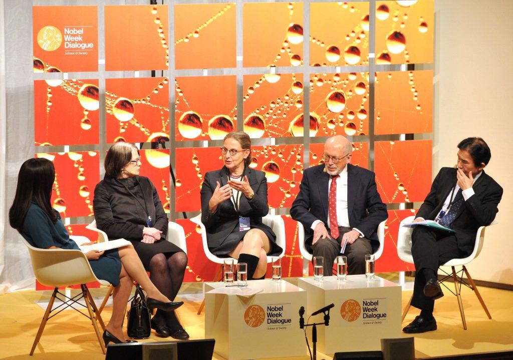 Ursula Staudinger discusses with Soki Choi, Laura L Carstensen, Martin Kohli and Naohiro Ogawa at the Nobel Week Dialogue 2014, Copyright: Nobel Media, photograph by Jonas Borg